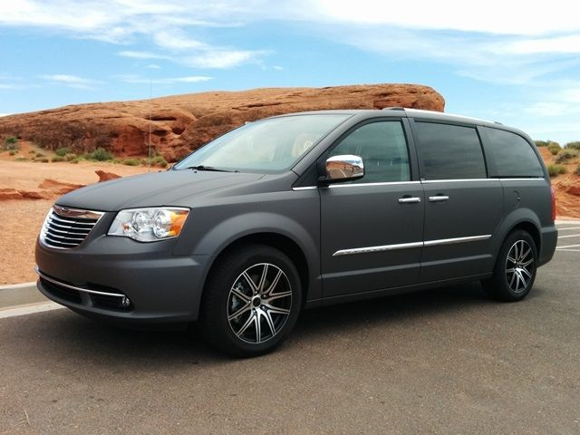 2016 Chrysler Town & Country Banner