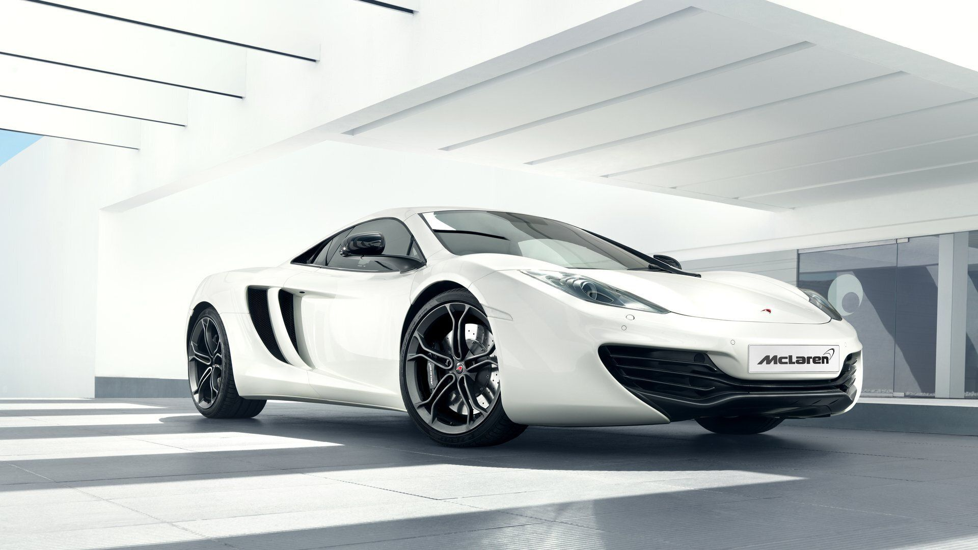 McLaren Automotive 12C
